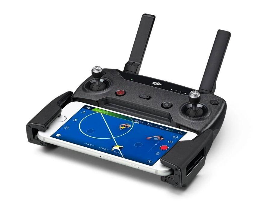 Il radiocomando del DJI SPARK si accoppia al vostro smartphone via WI-FI (avete a disposizione entrambe le bande a 2.4GHz o 5.8GHz)