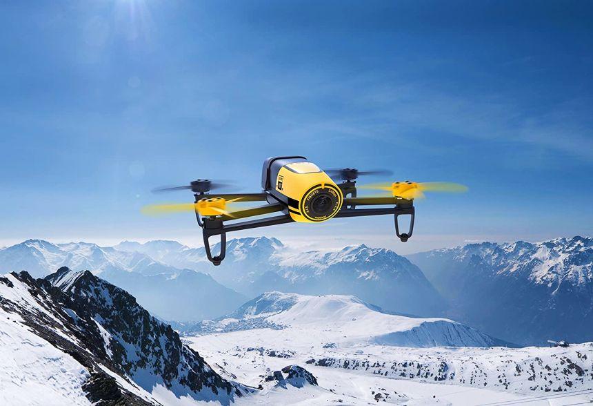 Grazie alla stabilità di volo e alla videocamera da 14MP, il drone Parrot Bebop è ideale per riprese aeree