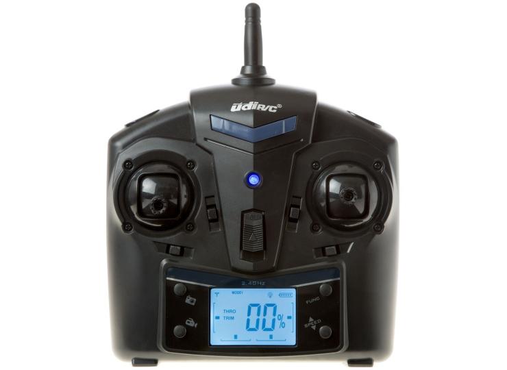 Il radiocomando con portante di 2.4GHz e display LCD retroilluminato